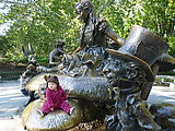 Central Park - Alice in Wonderland Statue - Lyra