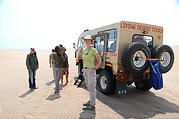 Namibia - Swakopmund - Tommy's Tour - Dunes - Truck - Land Rover 101FC - Laura