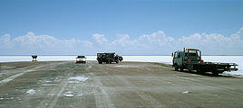 Bonneville Speedway - end of pavement and tow truck (7/15 11:58 AM)