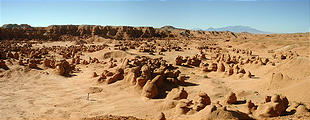 Goblin Valley (panorama) (7/19 8:04 AM)