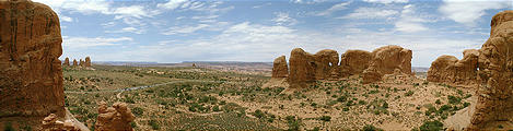 panoramic view from near Double Arch and Windows (7/23 12:06 PM)