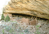 cliff dwelling ruins (7/25 8:20 AM)