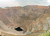 Bisbee - enormous open pit copper mine (8/08 2:44 PM)