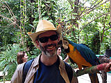 Puerto Morelos - Crococun Zoo - Parrot Kiss (Photo by Laura)